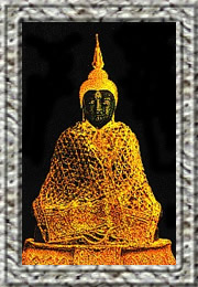 The Emerald-Buddha in winter dress